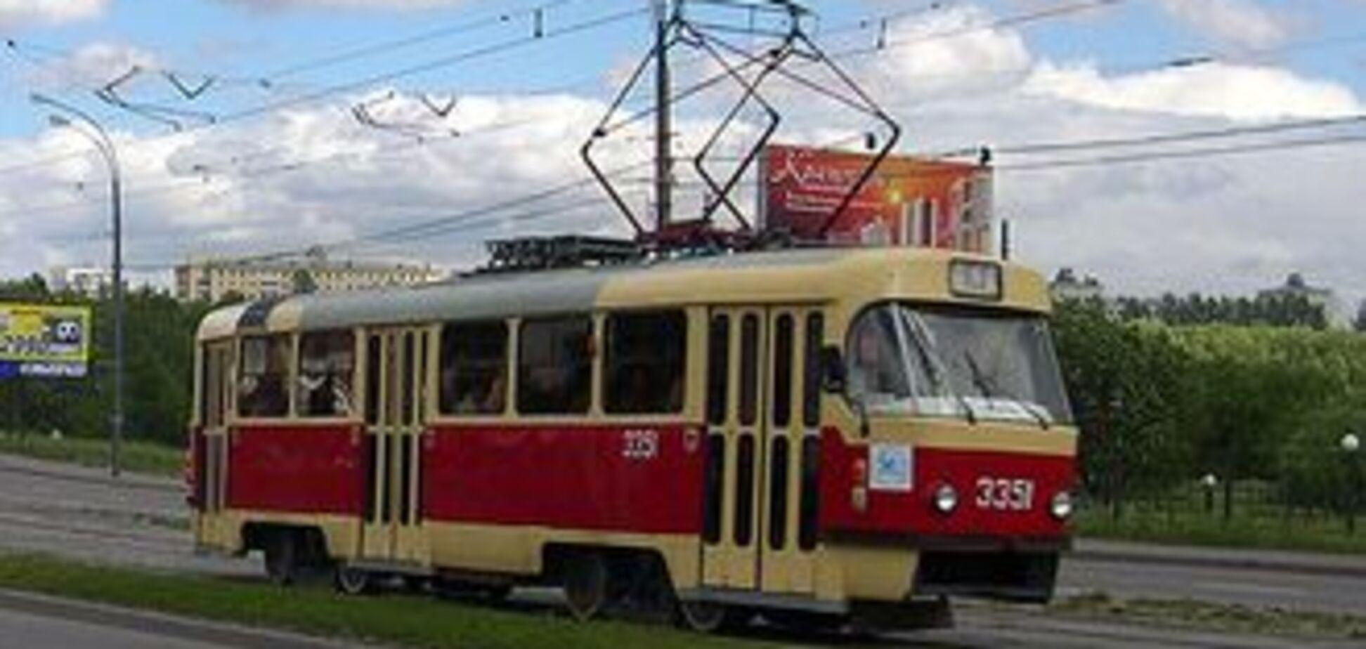 В Одесі трамвай переламав ноги восьмикласниці