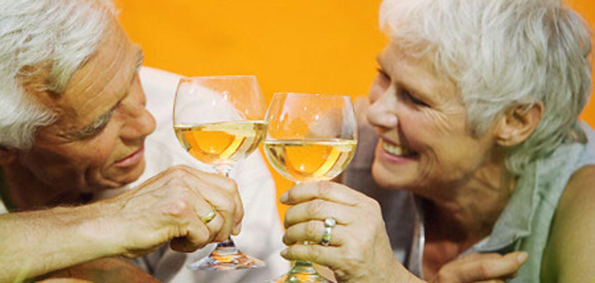 Пожилые американцы злоупотребляют алкоголем