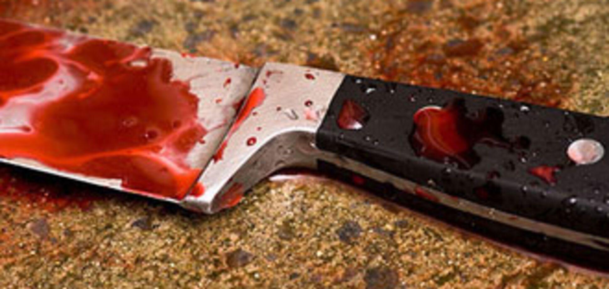 Жінка, яка вбила співмешканця, заявила, що він сам зарізався