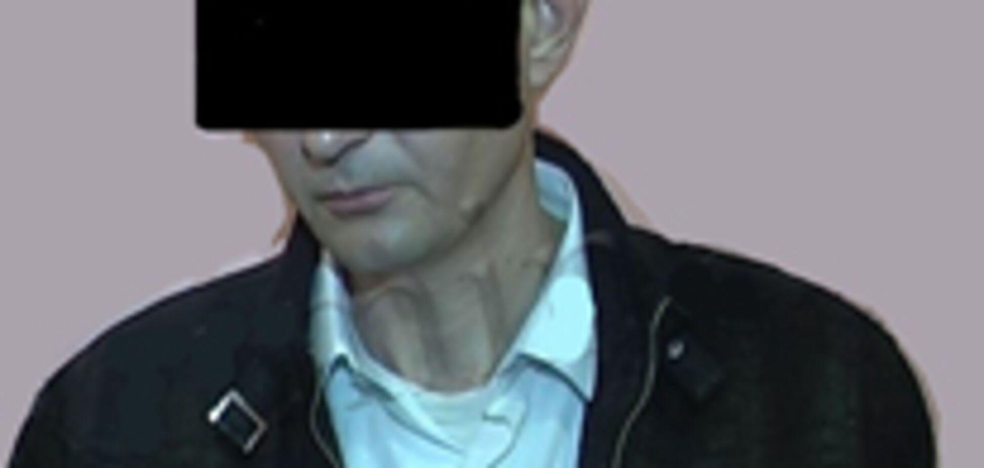 Затримано загадковий 'міліціонер', що брав мзду зі стареньких
