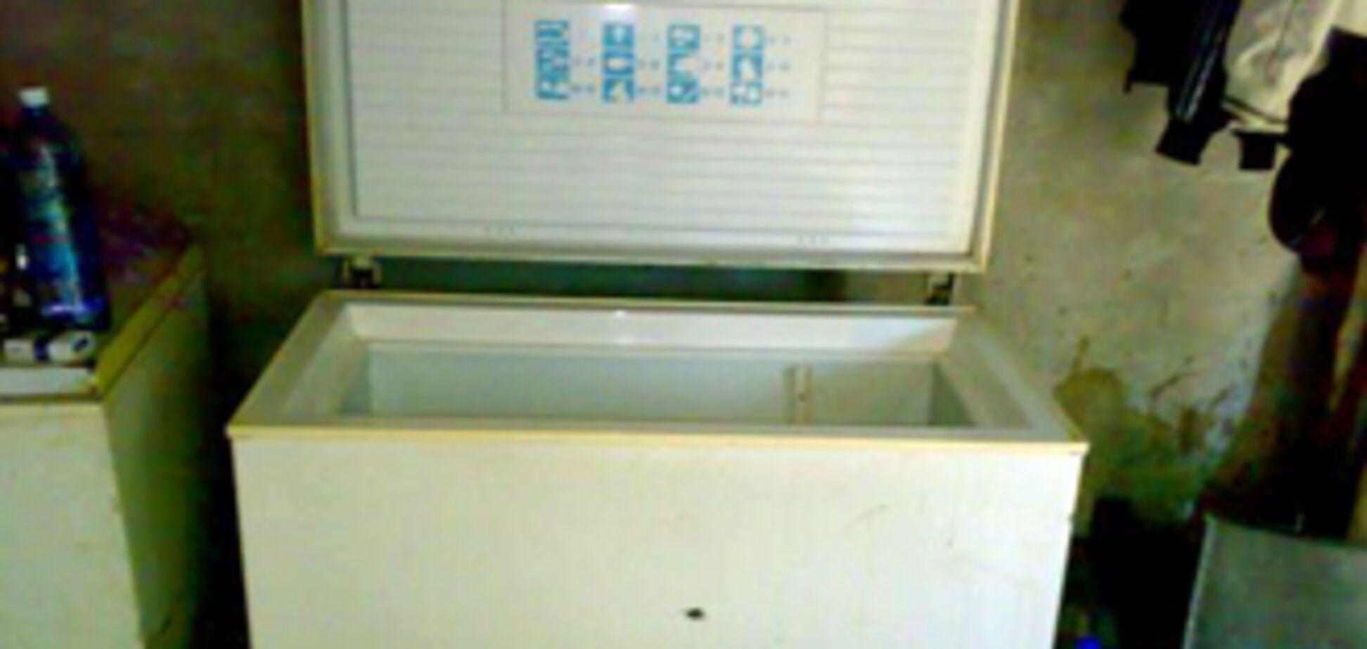 Буфетниця ховала мертвої дитини в морозильній камері