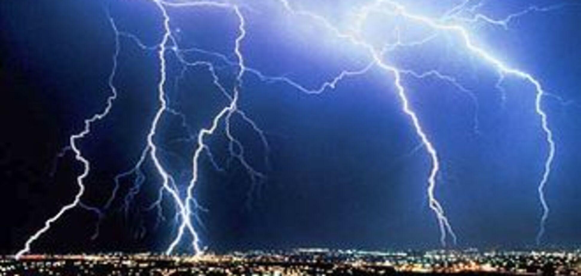 На Львівщині дівчина загинула від удару блискавки