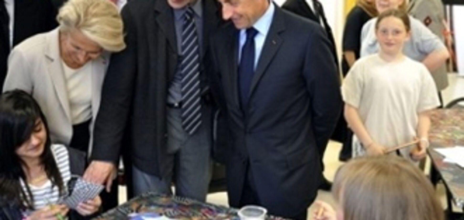 Охоронець врятував Саркозі від нападу школяра