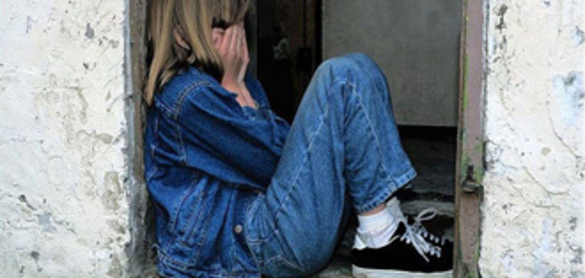 Підліток регулярно гвалтував 10-річну сестру