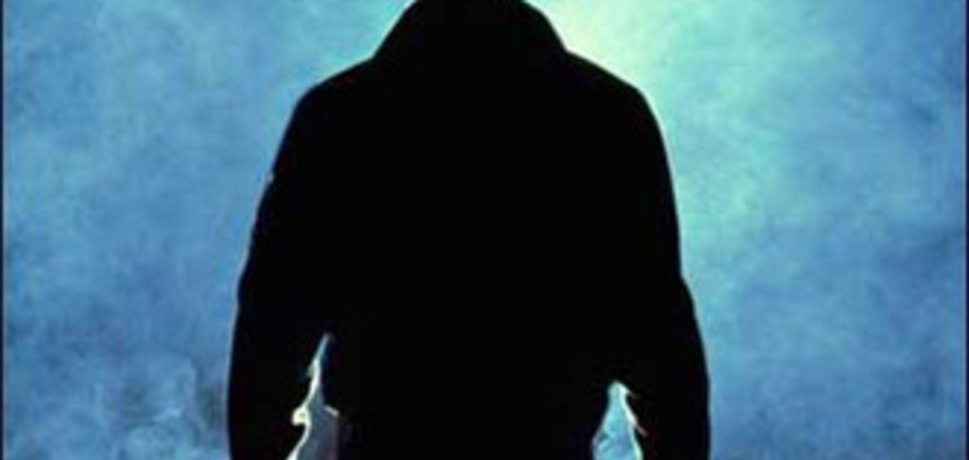 22-річний згвалтував свого малолітнього братика