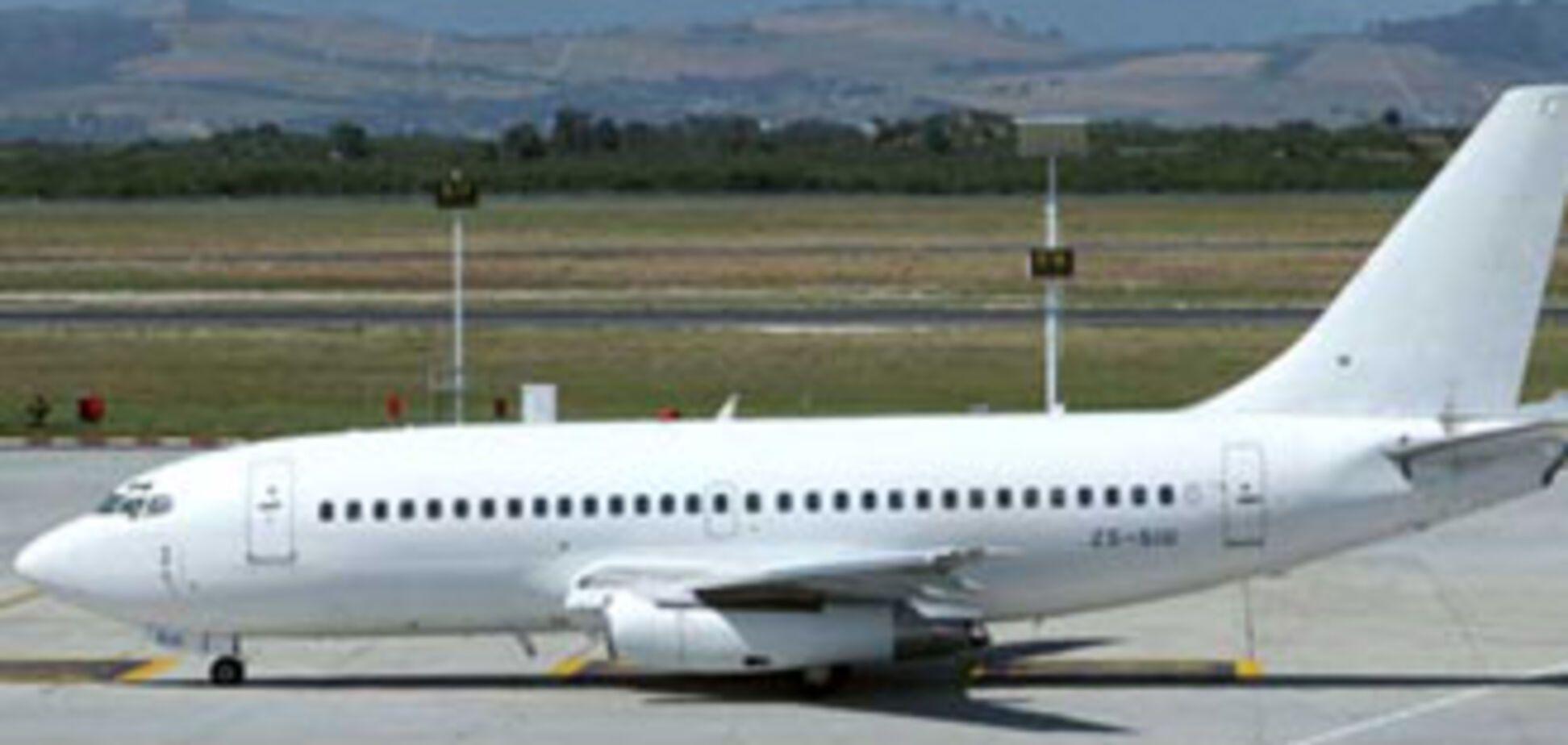 Boeing-737 з Петербурга не долетів до Києва
