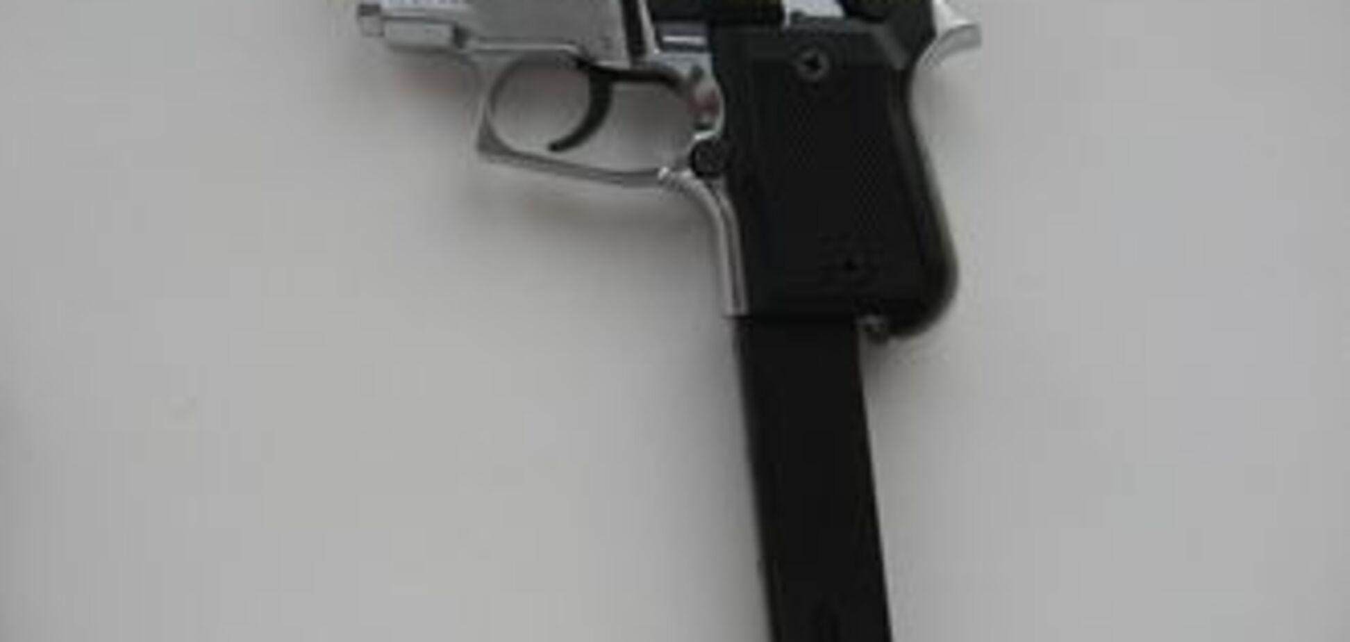 Кримські ісламісти здали міліції півдесятка пістолетів