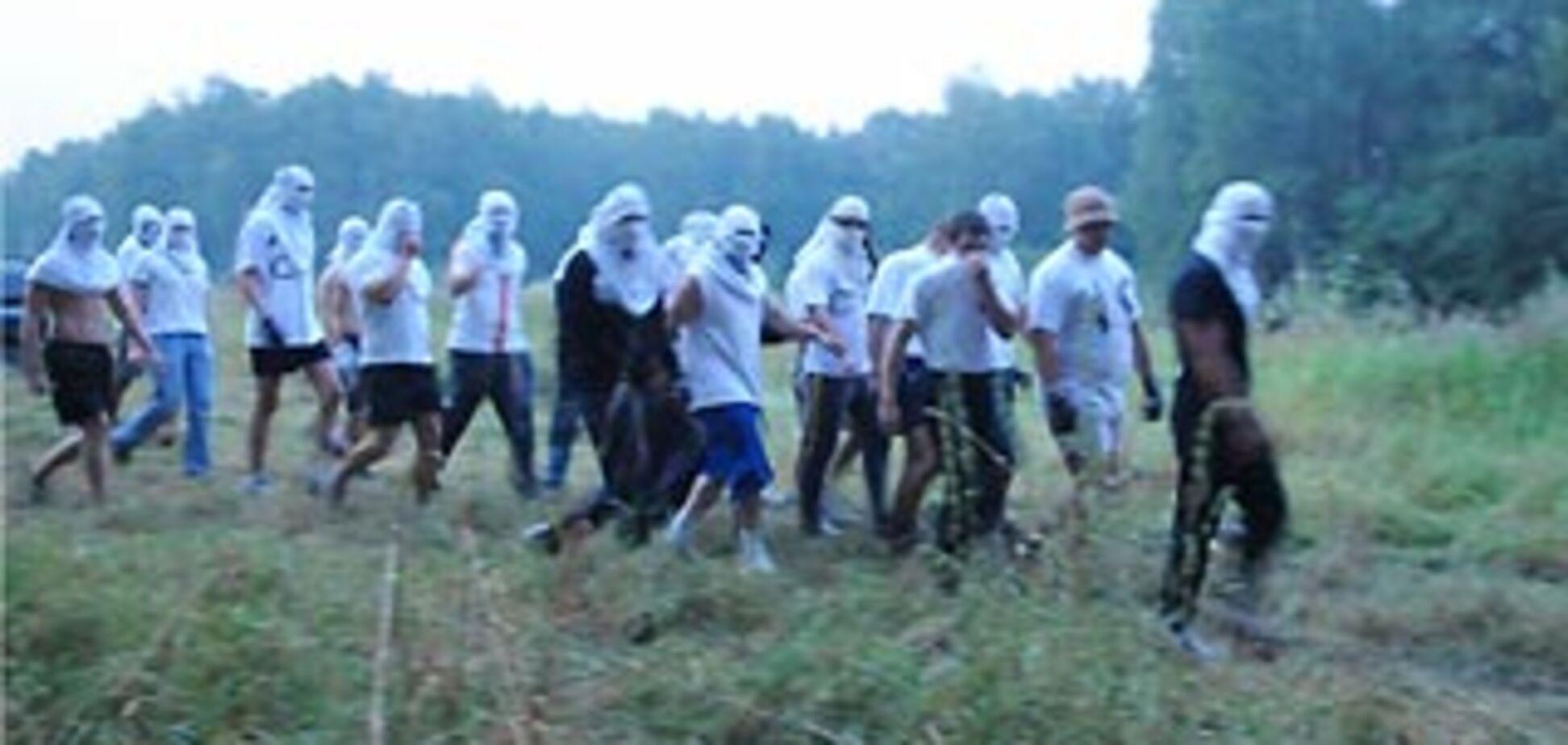 100 людей в масках напали на охоронців Хімкинського лісу