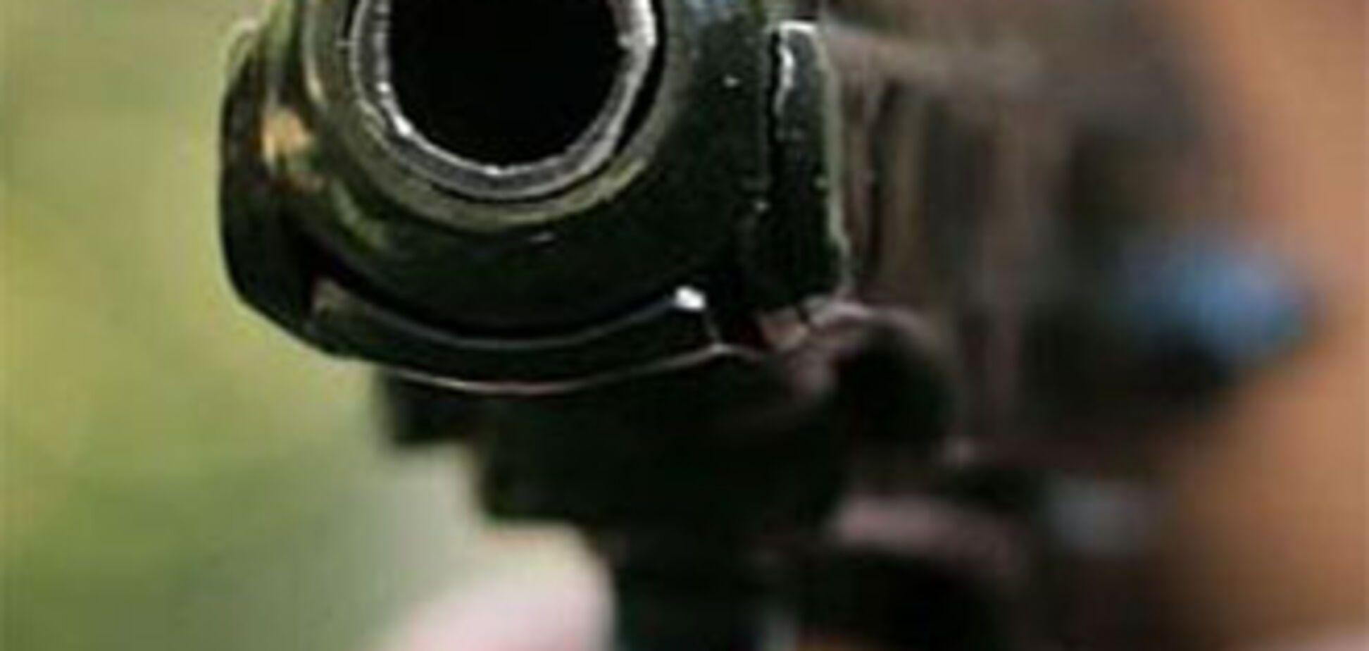 Співробітники ФСБ відкрили стрілянину по персоналу в барі