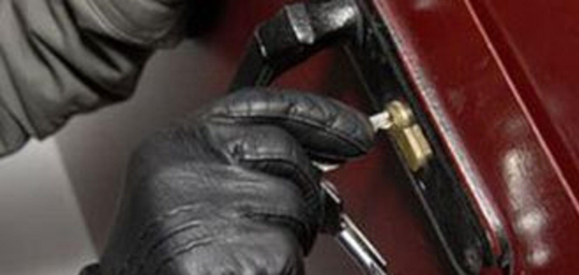 Двоє нелегалів з Молдови пограбували 30 квартир