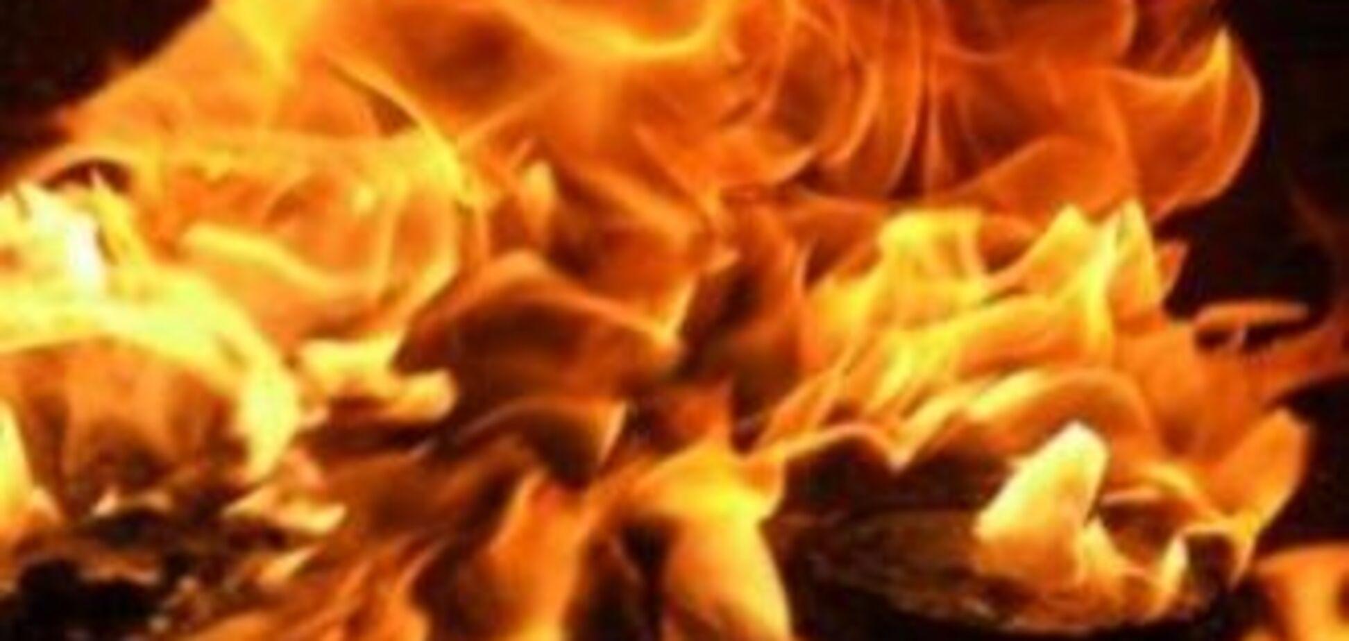 На Запоріжчини чоловік облив співмешканку бензином і підпалив