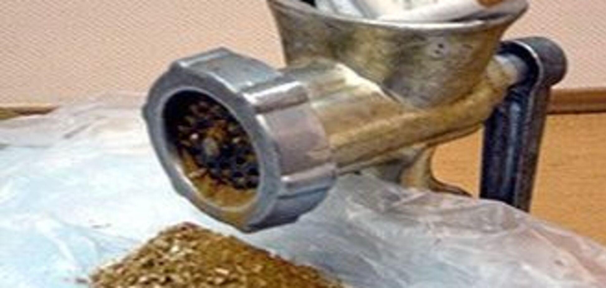 На Хмельниччині викрили підпільний цигарковий цех