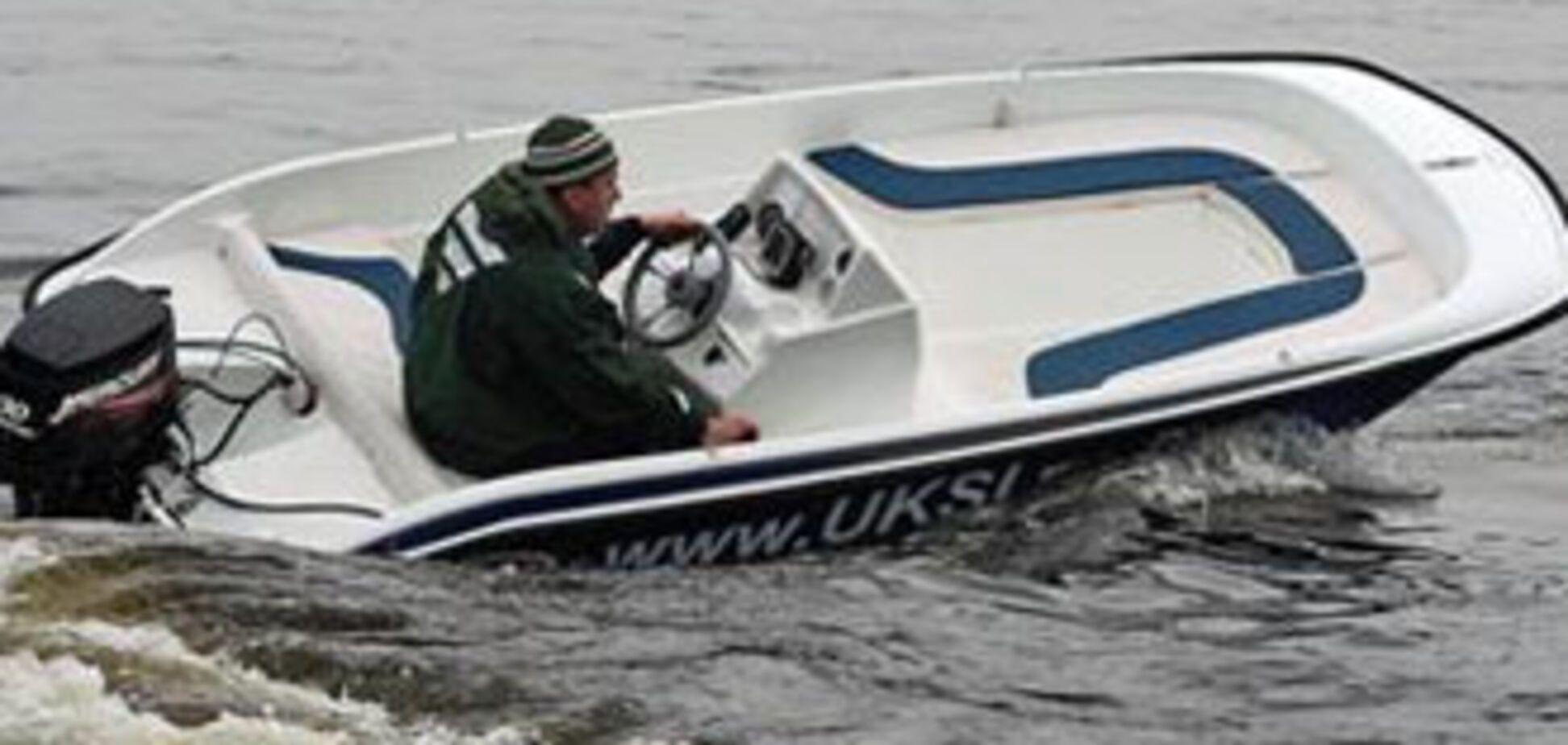 Рибак позбувся човнових моторів через борги