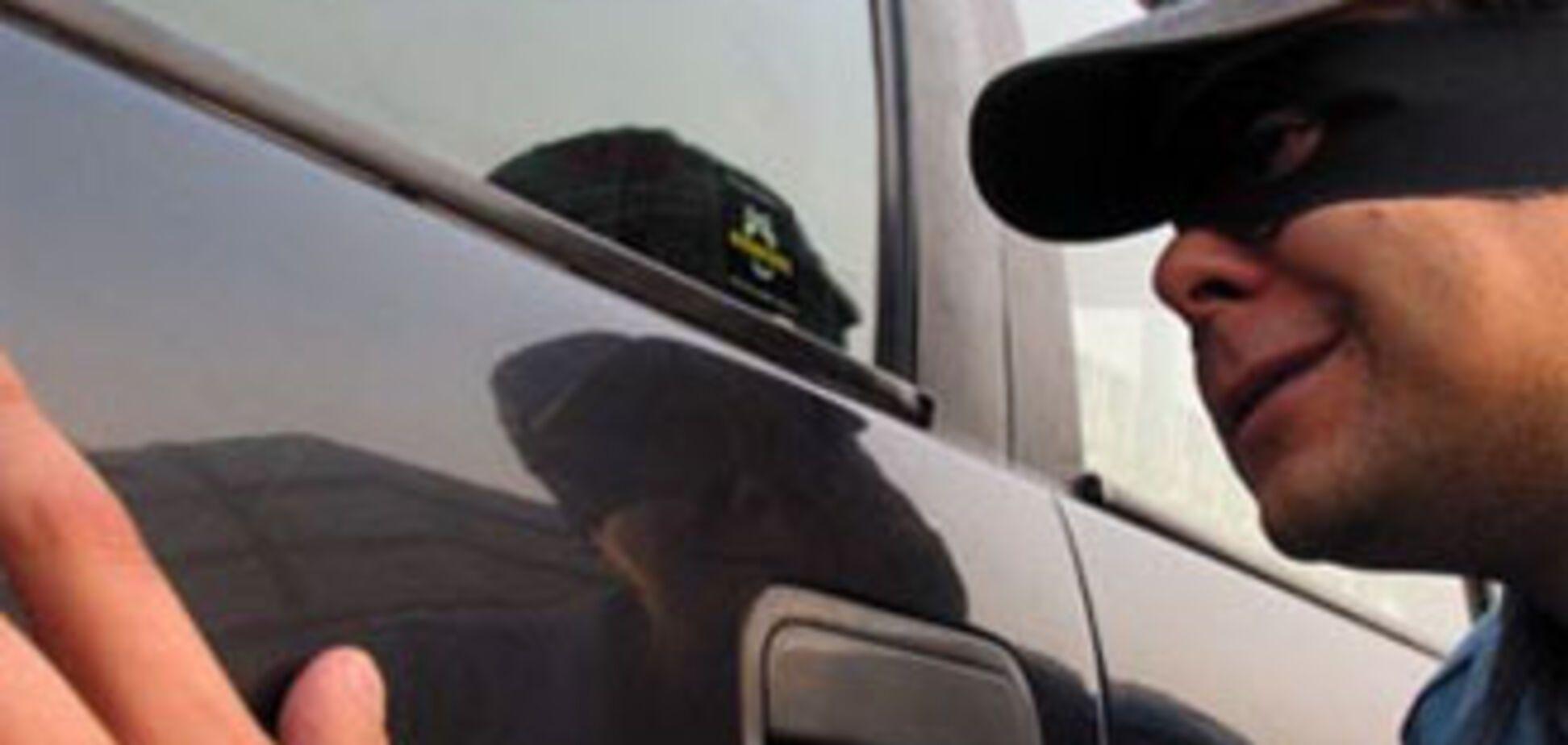 У міністра внутрішніх справ викрали машину
