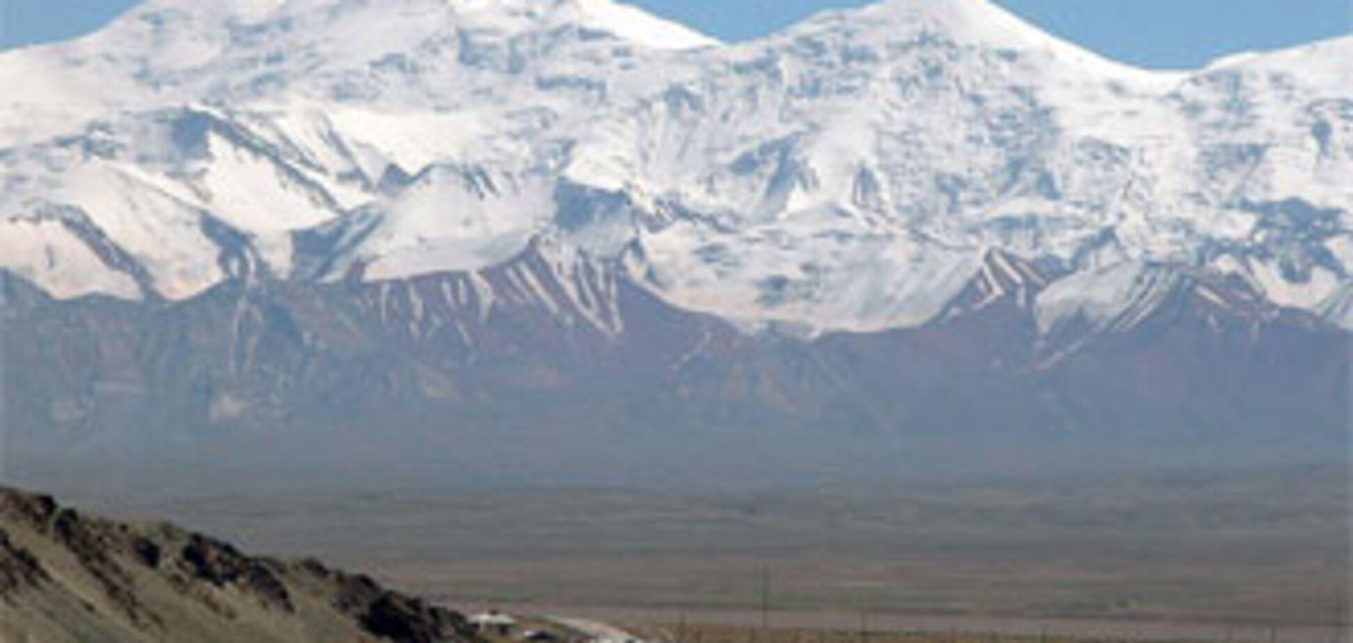 Українські альпіністи застрягли на Памірі
