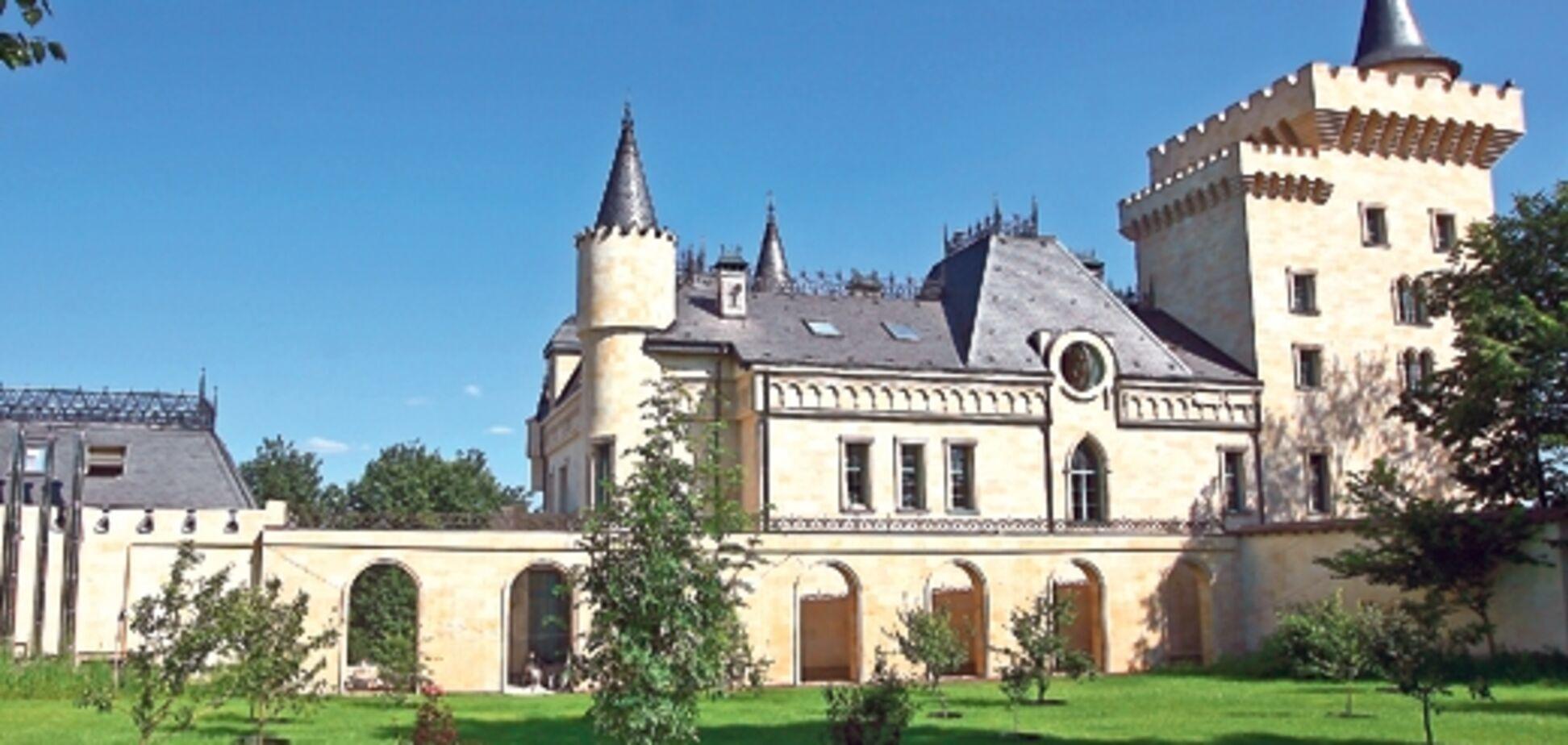 Містика замку Галкіна. Страйк з окультними силами