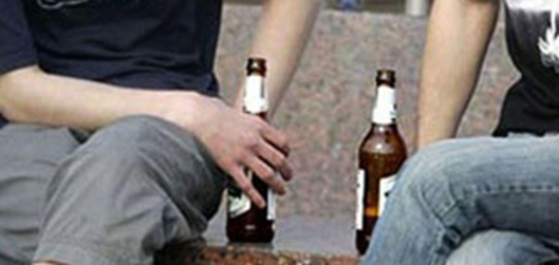 МВС: Пити пиво на вулиці не можна навіть з глечика