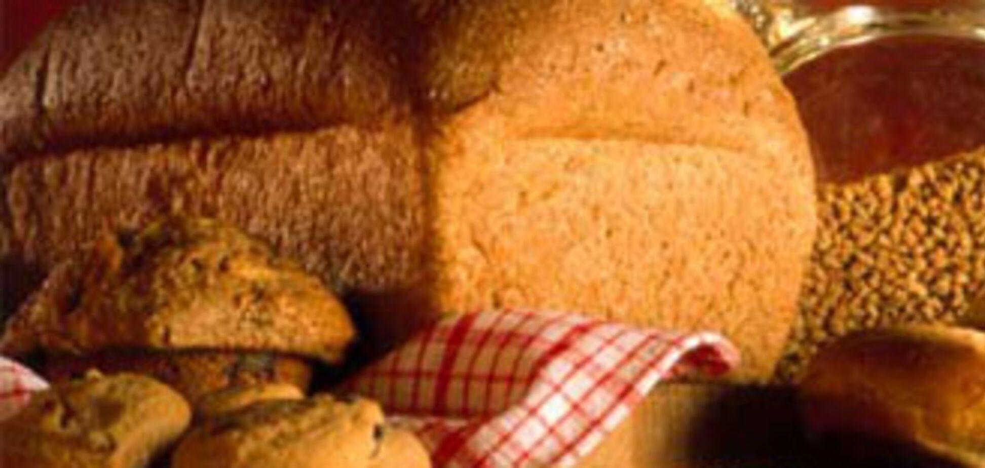 Азаров обещает, что хлеб не подорожает