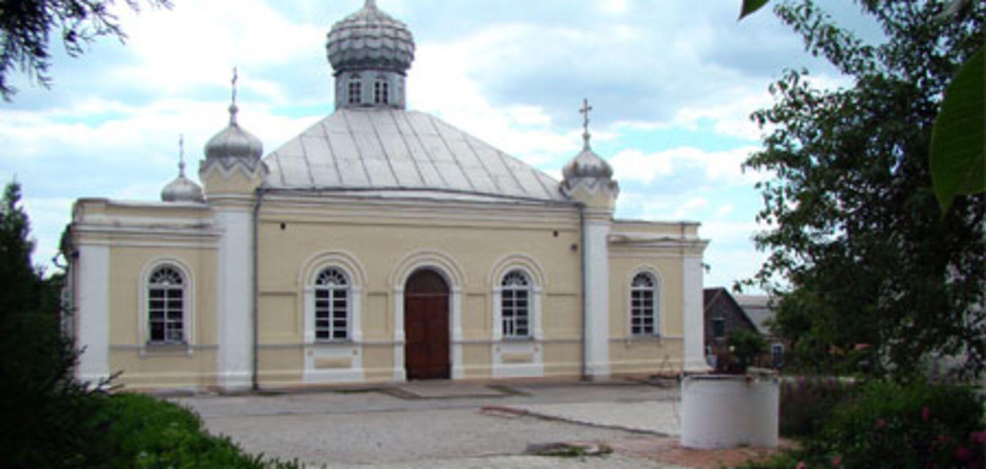 За підривників храму в Запоріжжі заступився архієпископ