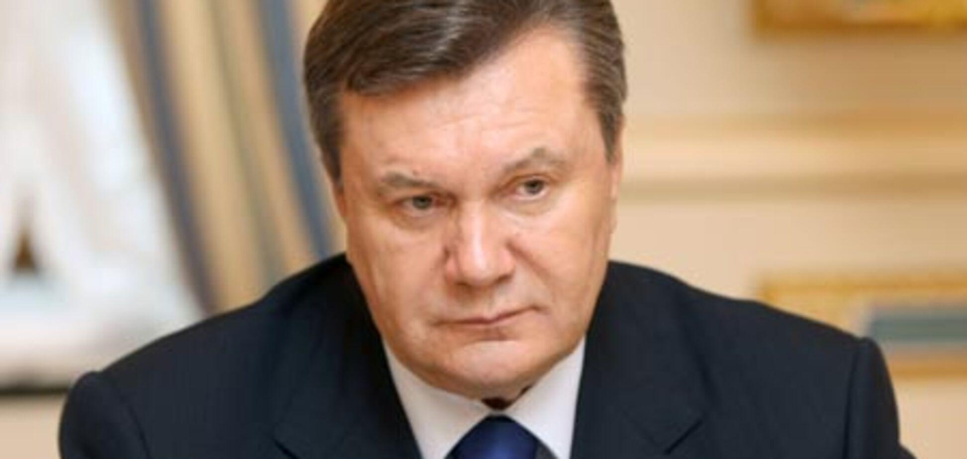 Янукович не підписав зміни до закону про військову службу