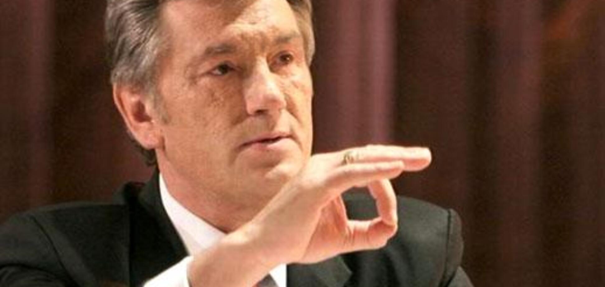Ющенко занял место пресс-секретаря Тины Кароль