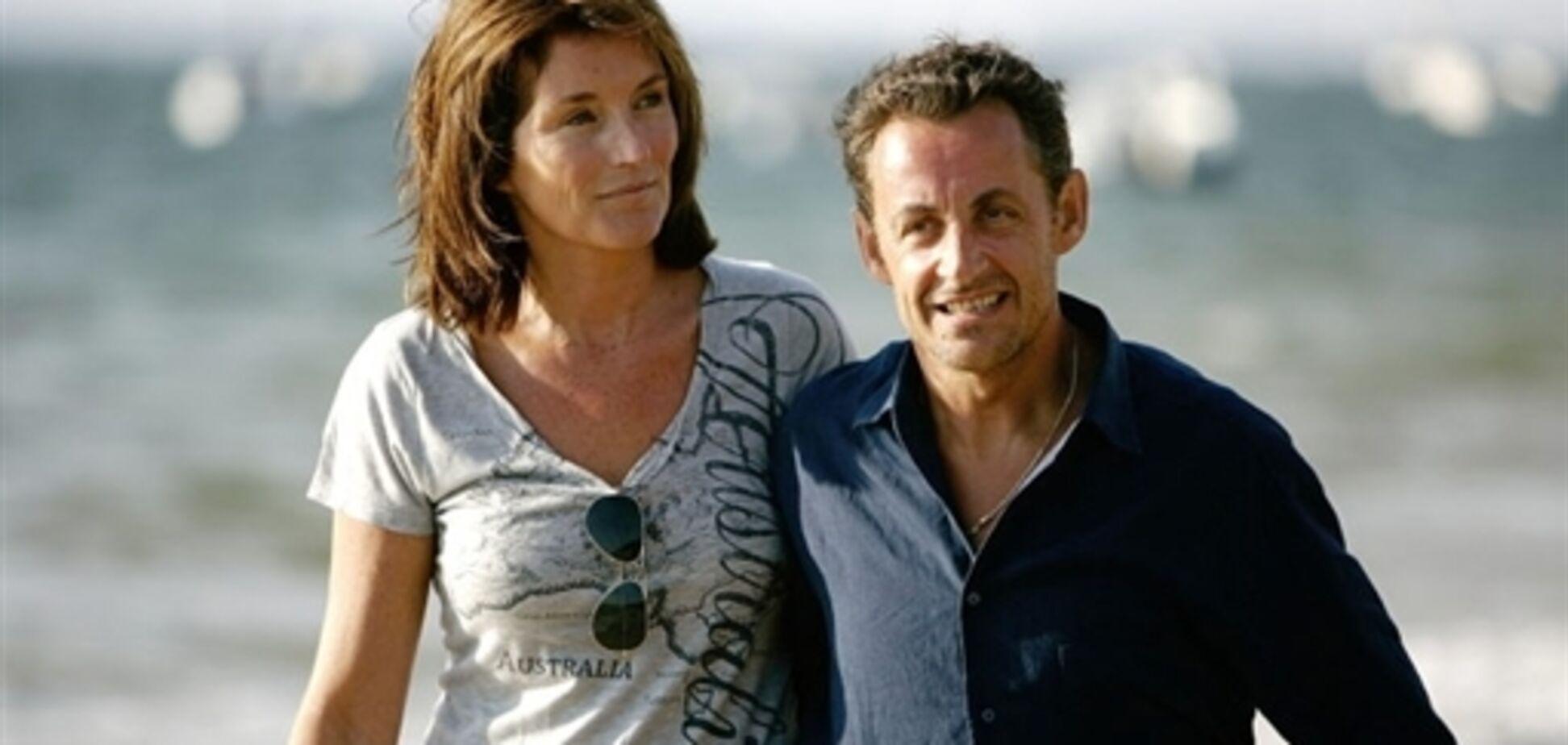 Чому президента Франції кинула дружина?