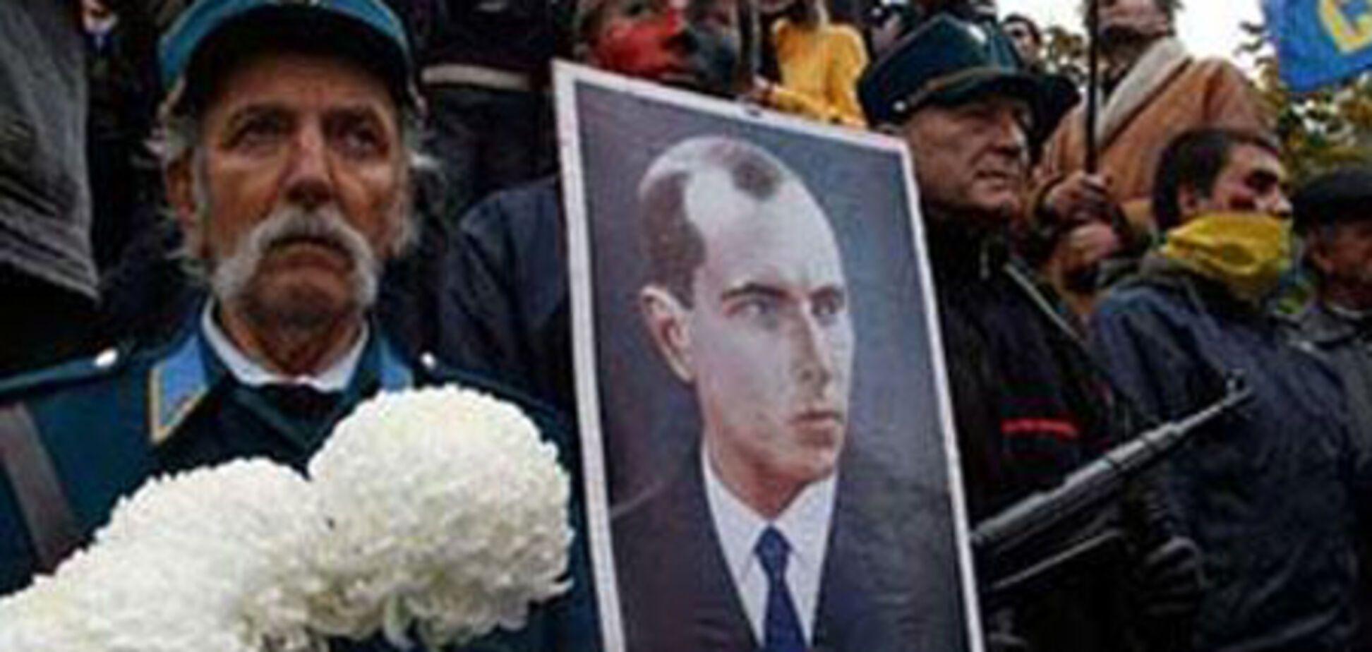 Галичина погрожує Януковичу національною революцією