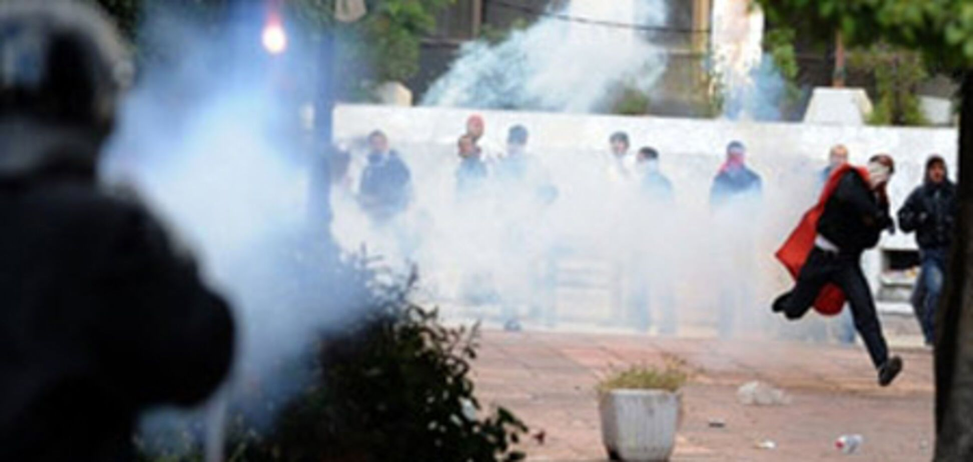У Тунісі оголосили надзвичайний стан
