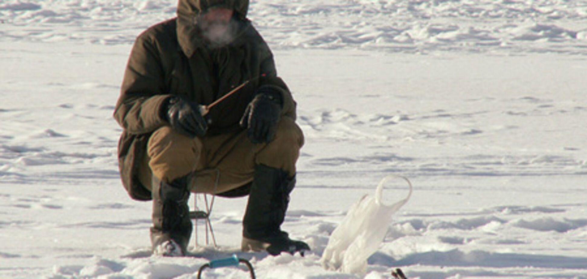В Киеве мужчина ловил рыбу, а поймал велосипед