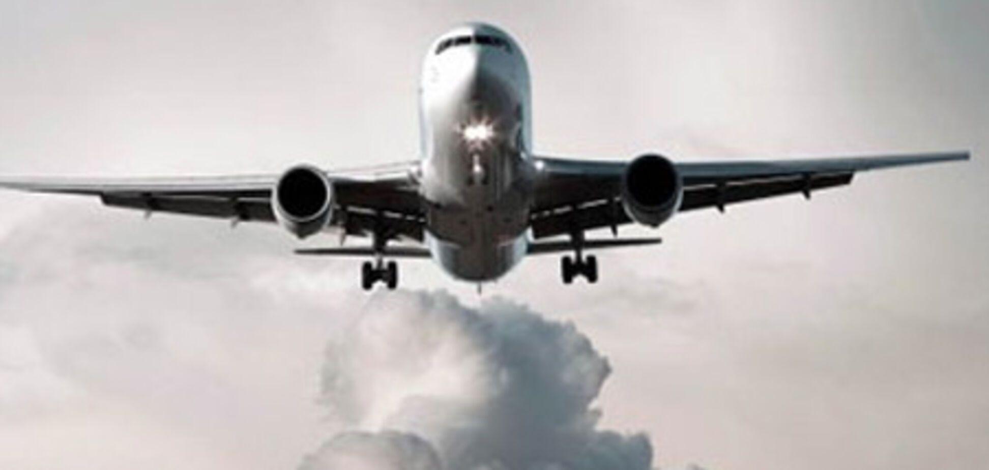 Тисячі туристів чекають евакуації в аеропортах Тунісу