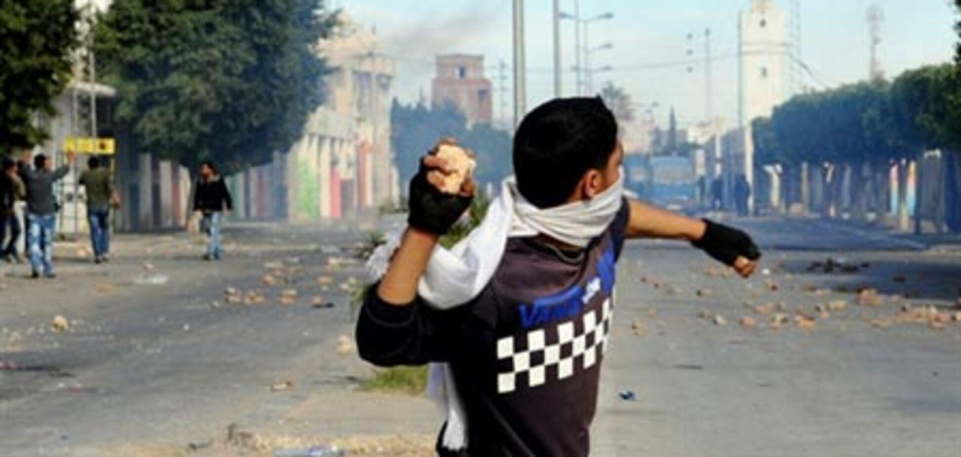 Переворот в Тунісі: Україна кинула своїх людей без допомоги