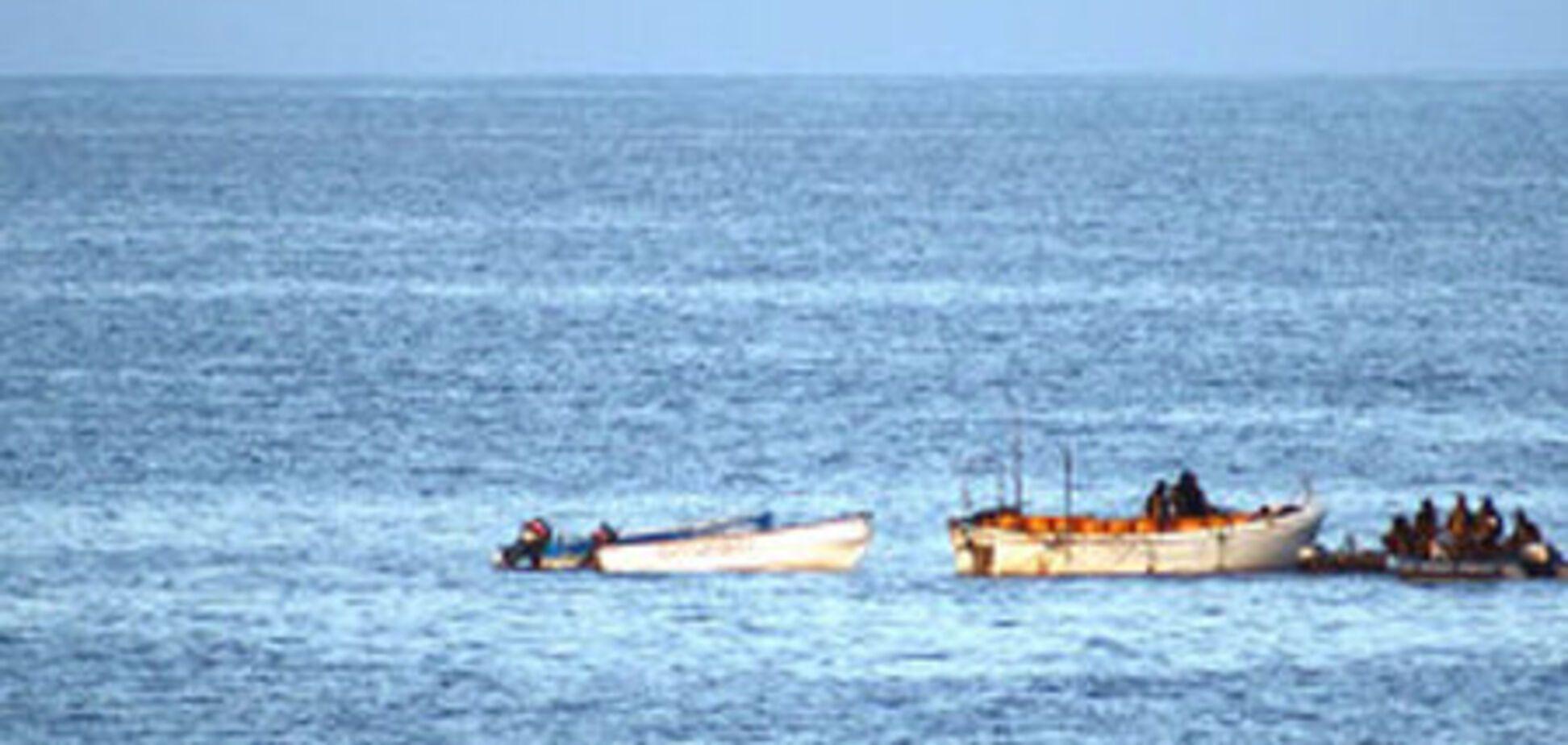 Сомалийские пираты захватили сухогруз с украинцами
