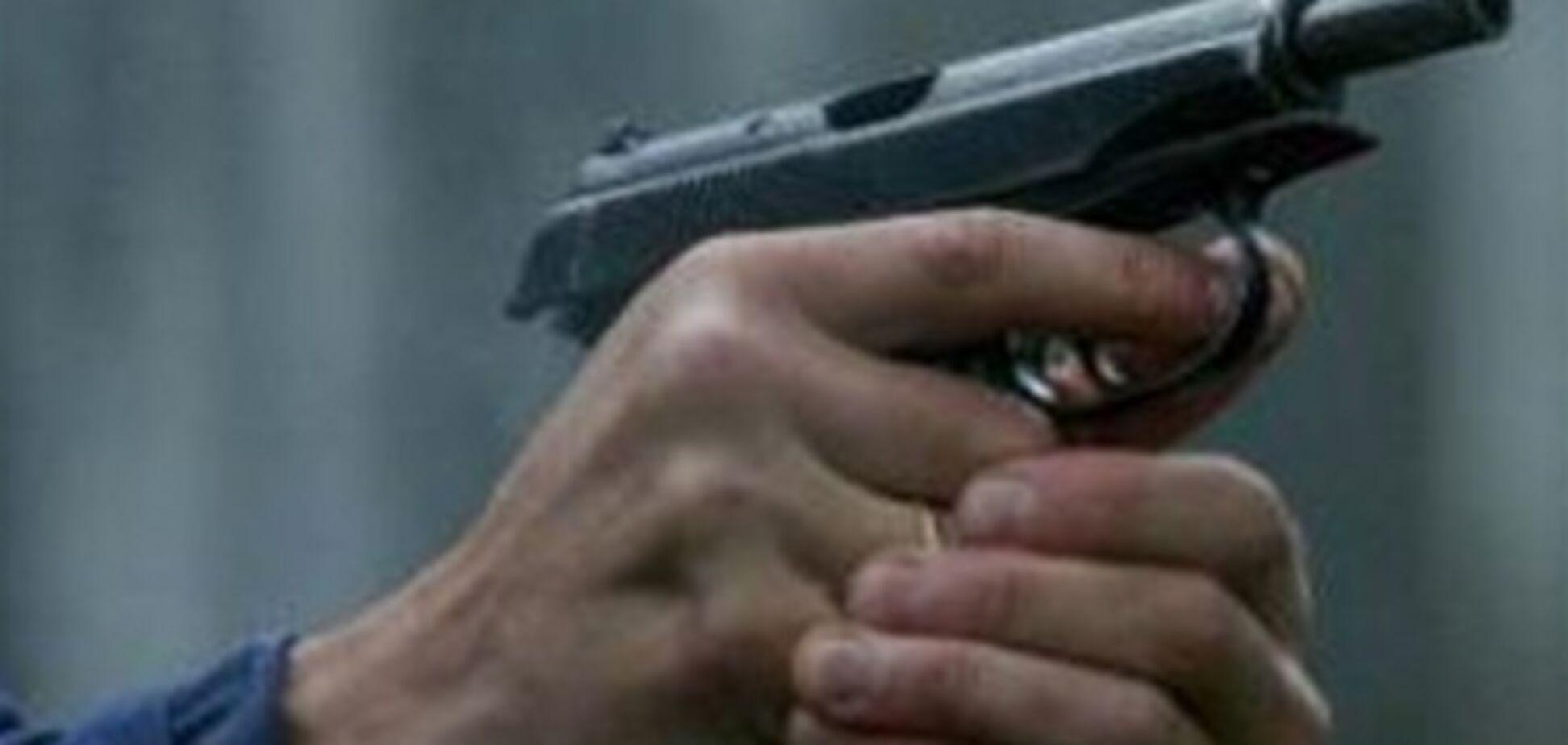Адвокат обстрелял квартиру бывшей возлюбленной