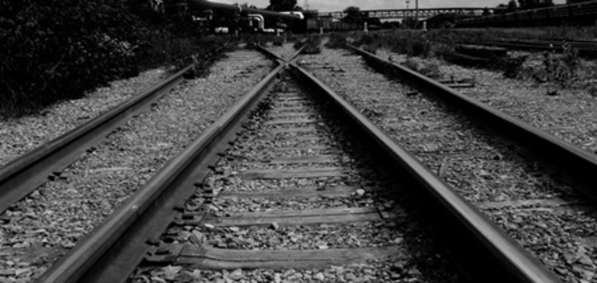 Товарный поезд сбил шестилетнюю девочку