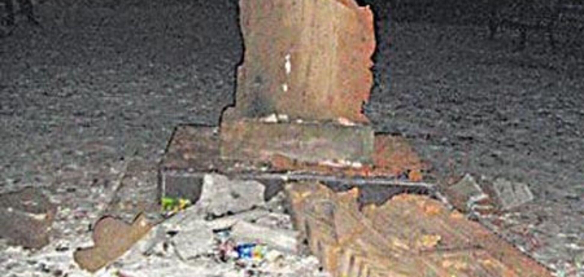 В Никополе разбили памятник украинско-армянской дружбы