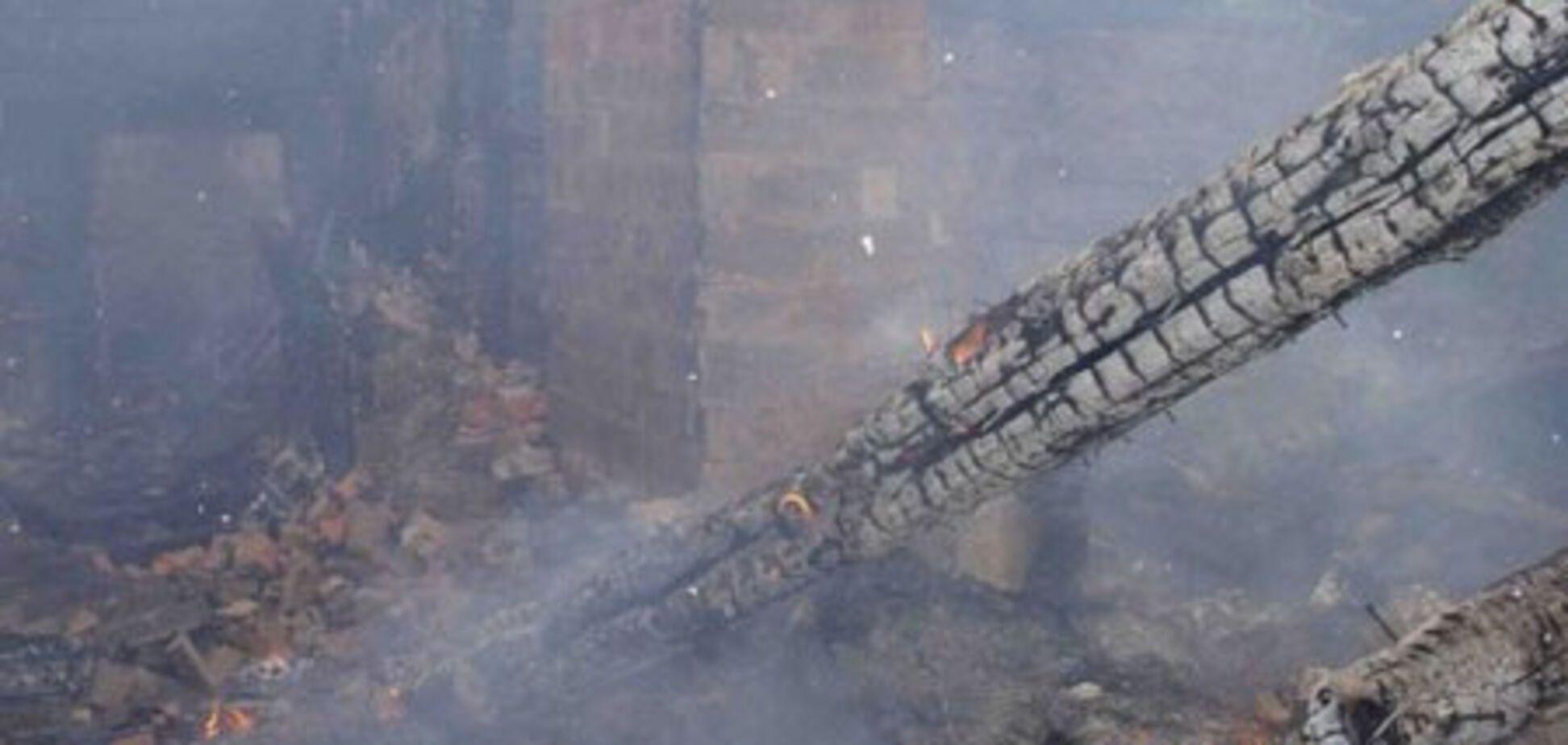 В Киеве пожарные 8 часов тушили склад игрушек