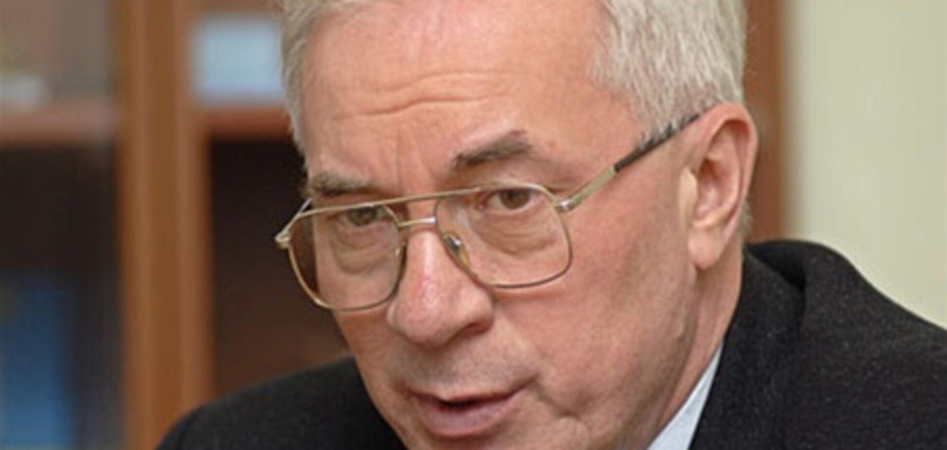 Азаров снизит ставки по кредитам