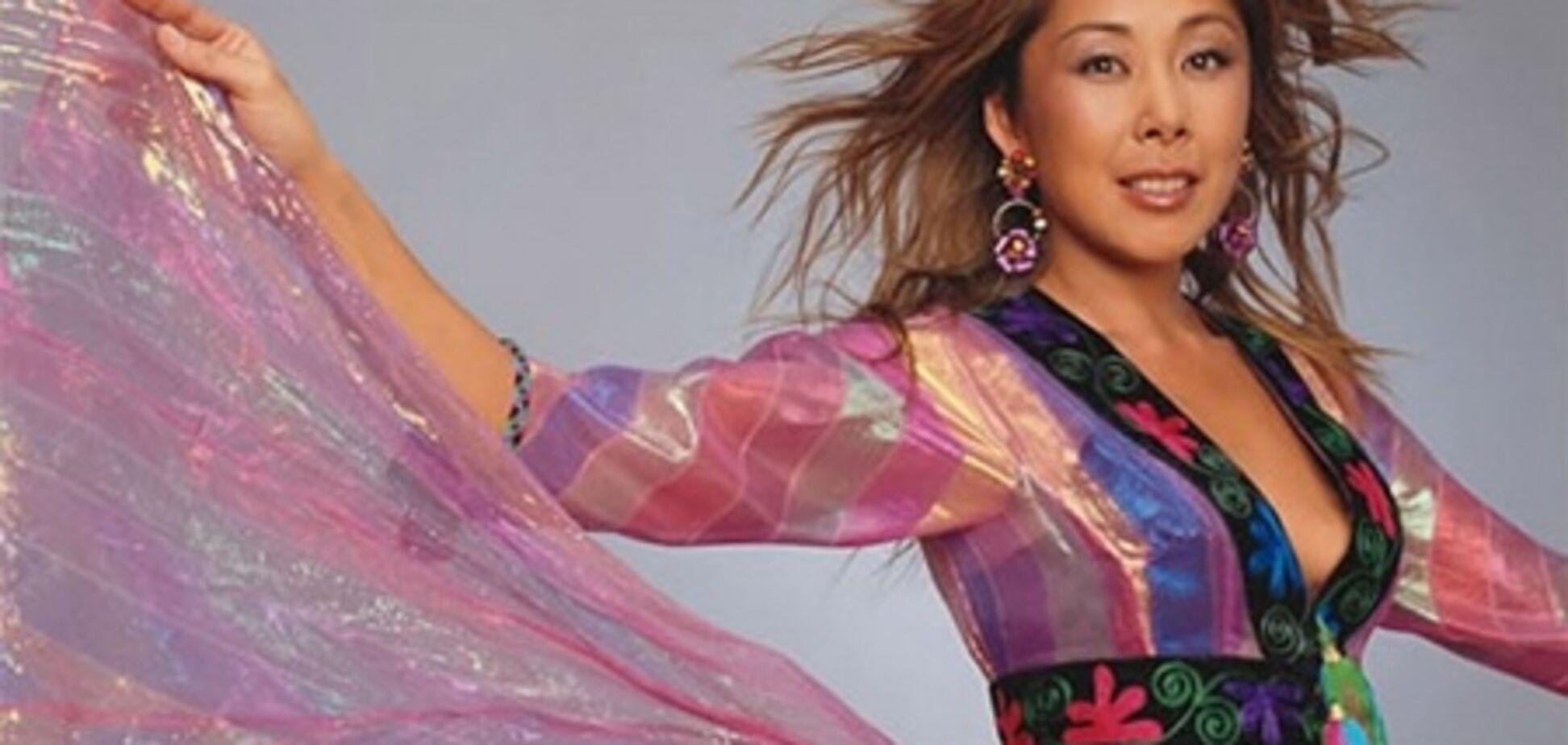 Анита Цой оставила карьеру ради мужа?