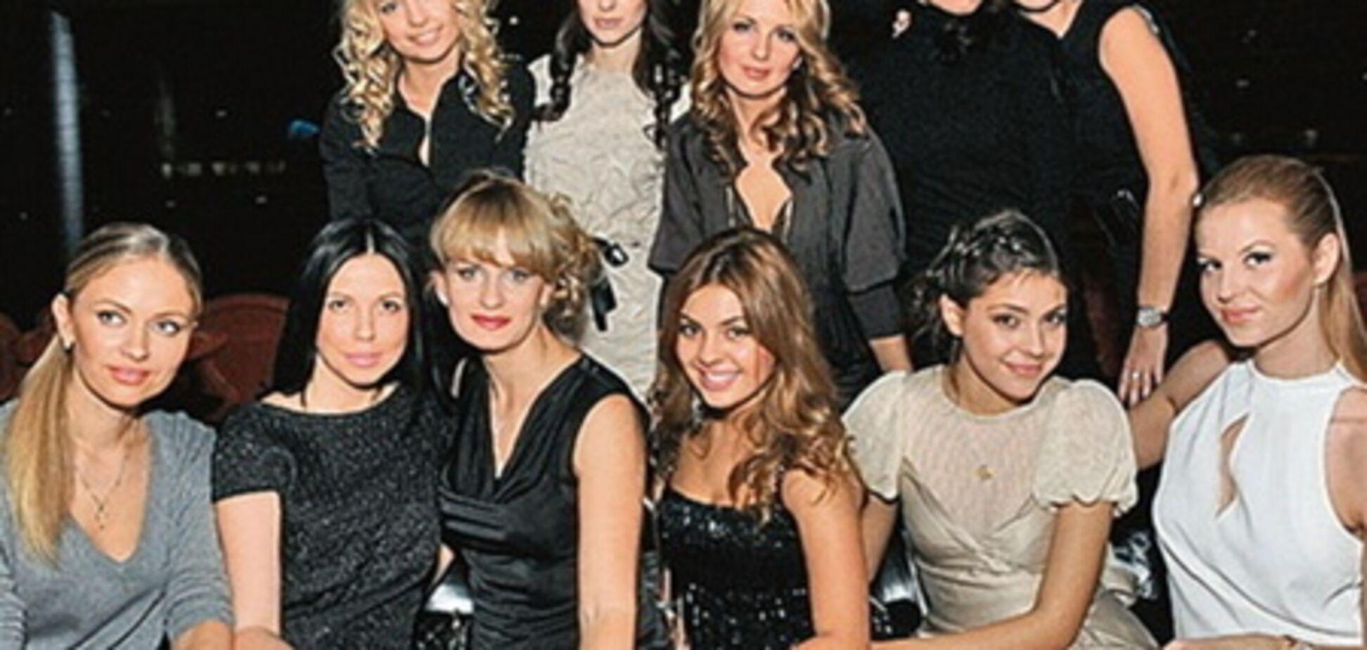 Жены игроков 'Шахтера' устроили показ мод