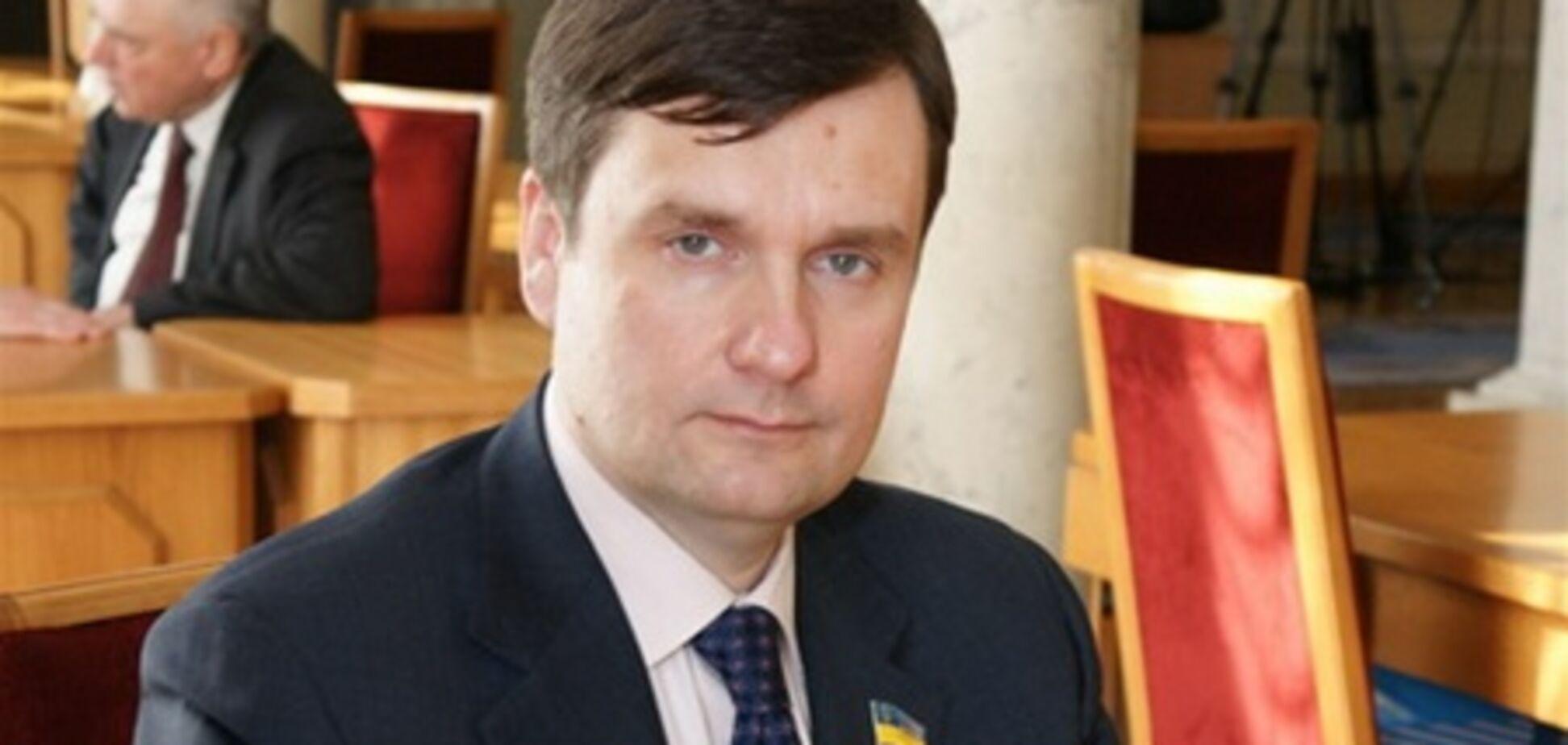 Кум Тимошенко не платит за учебу сына