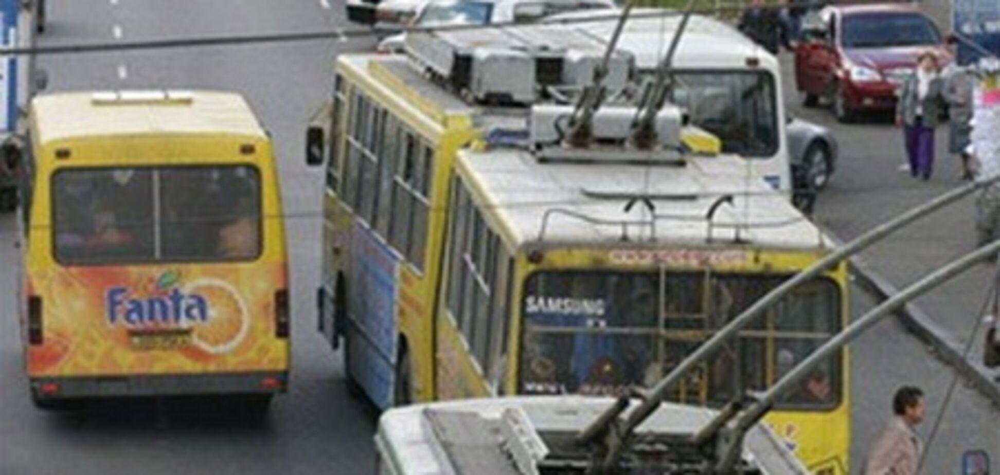 Общественный транспорт: платим много - получаем мало