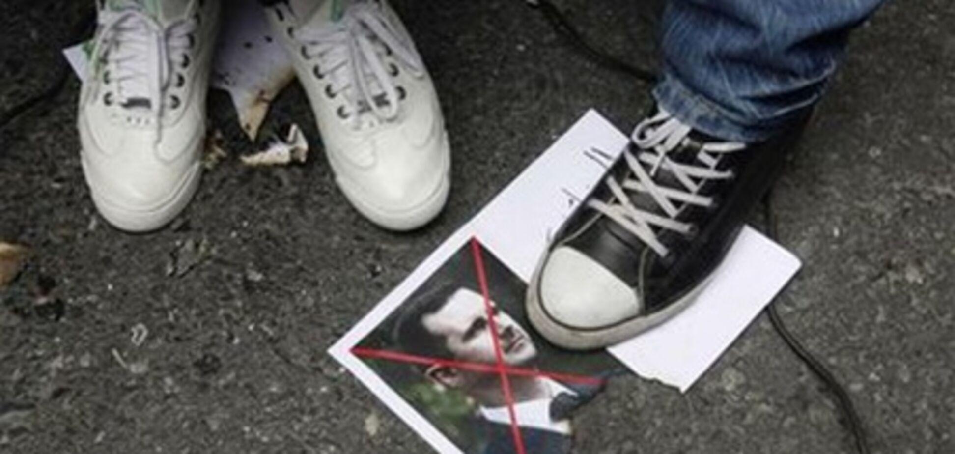 Франция признала сирийскую оппозицию законной