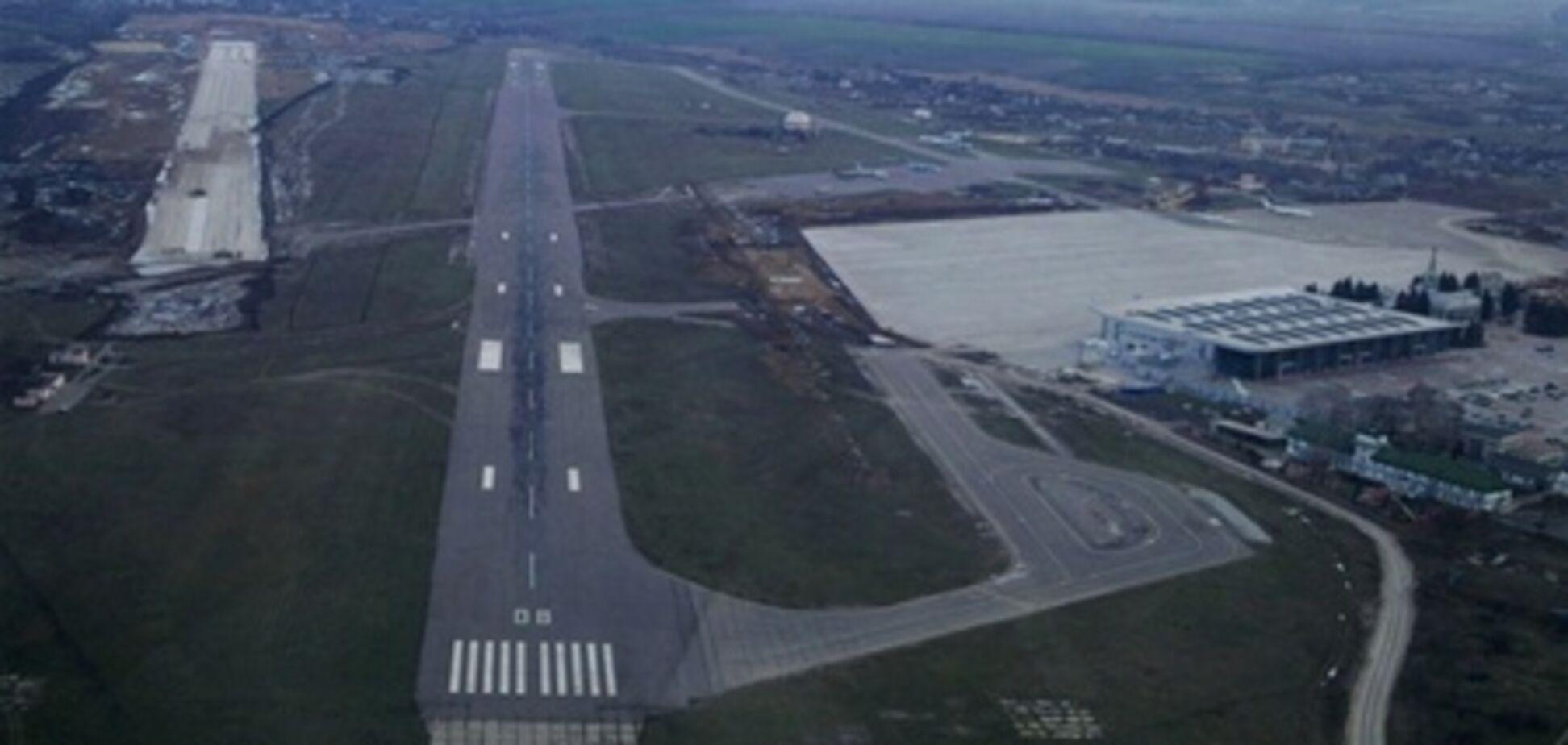В аэропорту Харькова открыта новая взлетная полоса длиной 2,5 км
