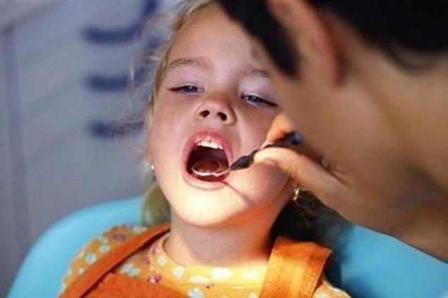 ребенку 3 года стоматолог посоветовала посеребрить зубы