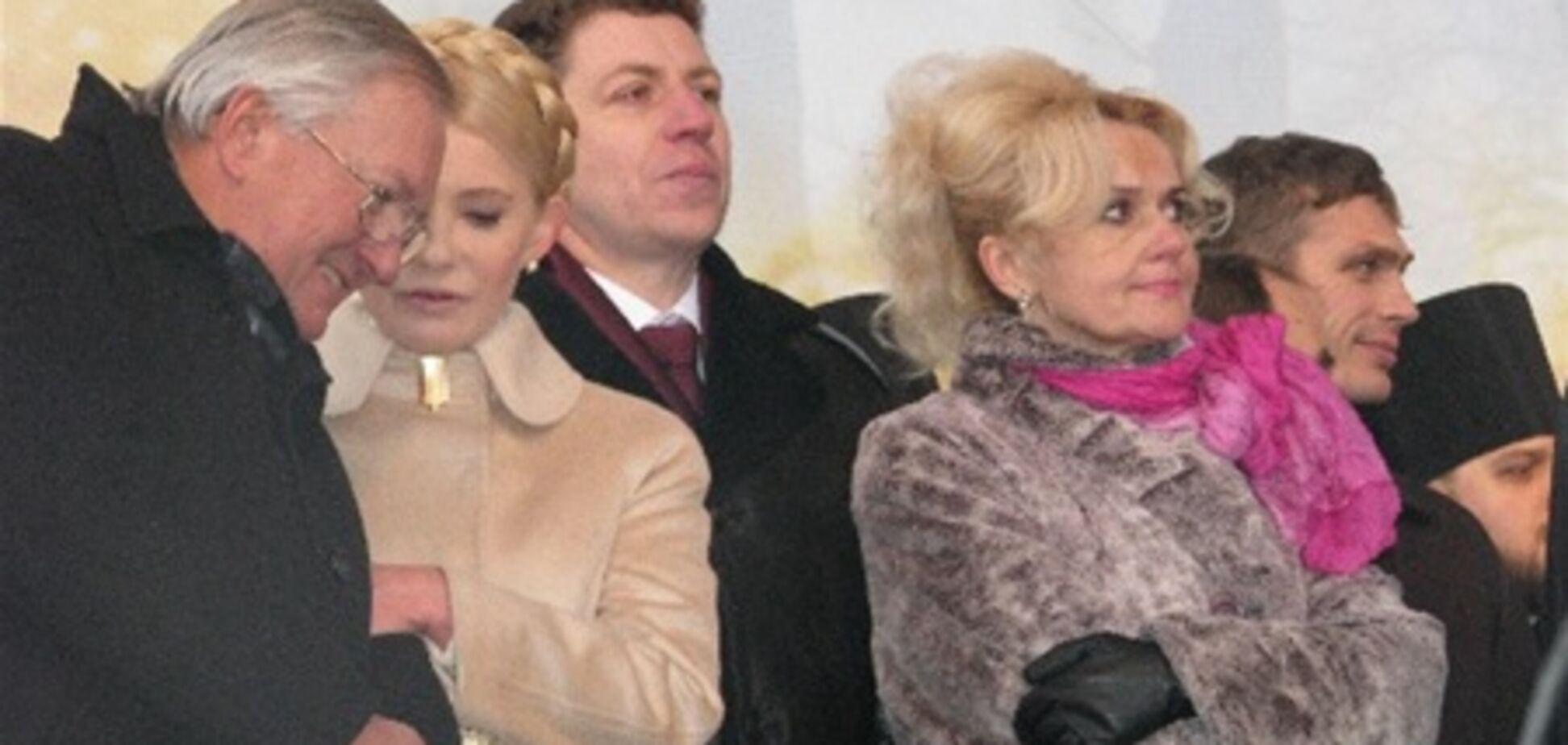 Січень-2011: Тимошенко – зі Злукою, Матіос – з фалічним символом