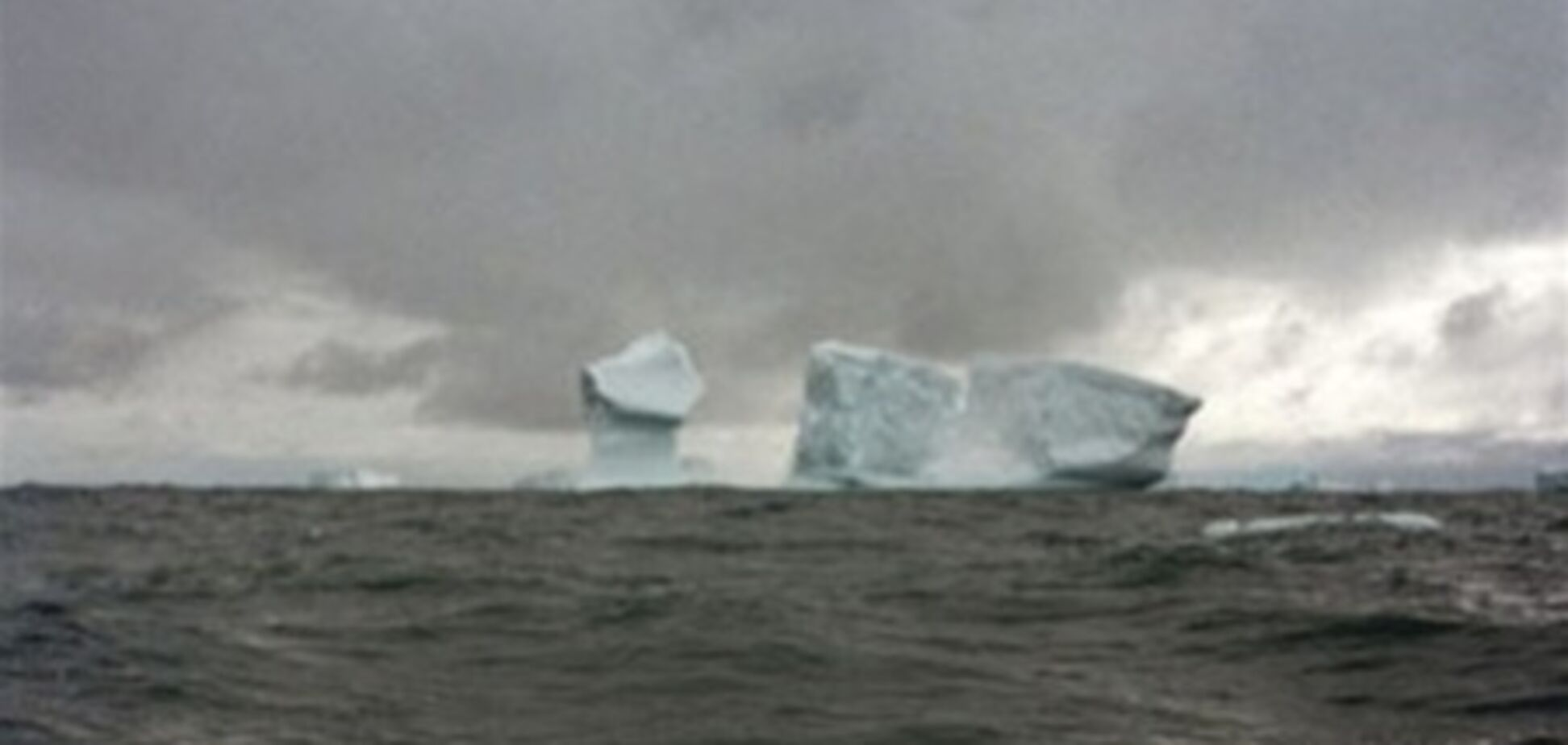 У берегов Антарктиды тонет судно с украинцами на борту