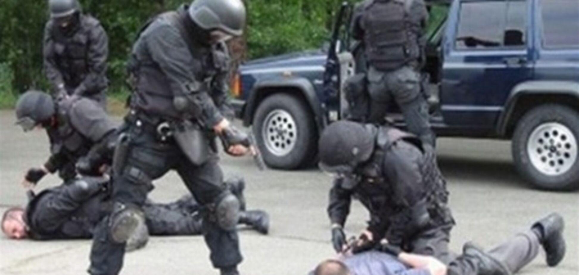 На задержанных в Киеве милиционеров-садистов завели дело
