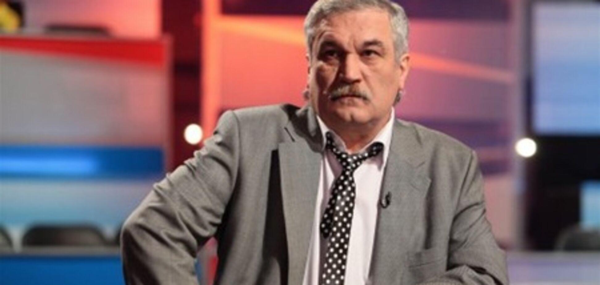 Шкляр: Звання Героя України дискредитувало себе