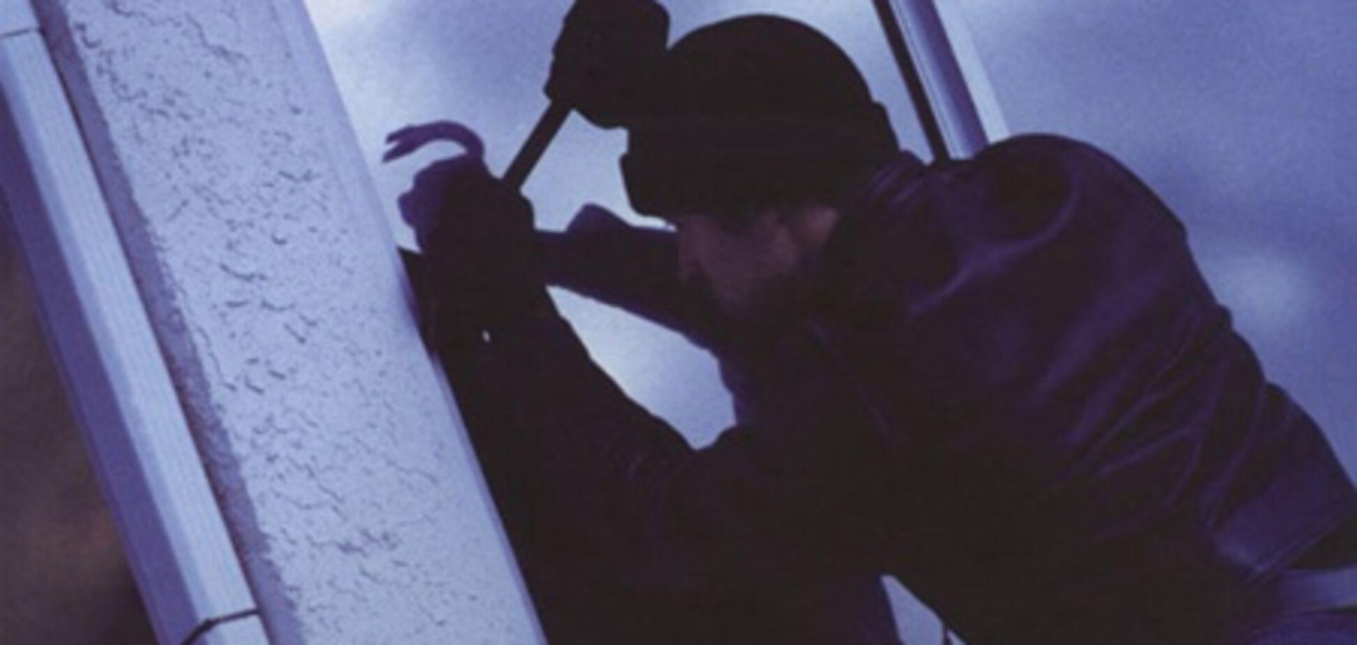 В Ровно ограбили два медицинских заведения