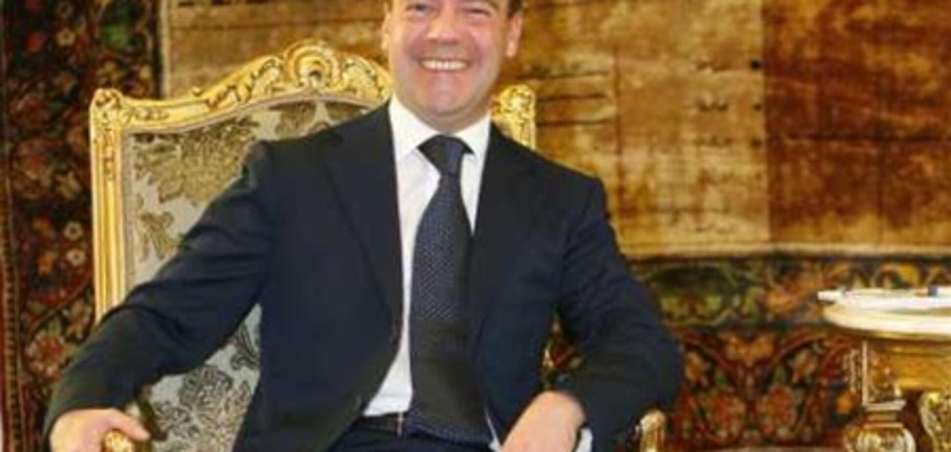 Госдепартамент США забанил Twitter Медведева из-за фальсификации выборов